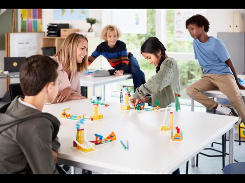 Bilde av LEGO® Education SPIKE™ Essential klassesett Inkludert kurs