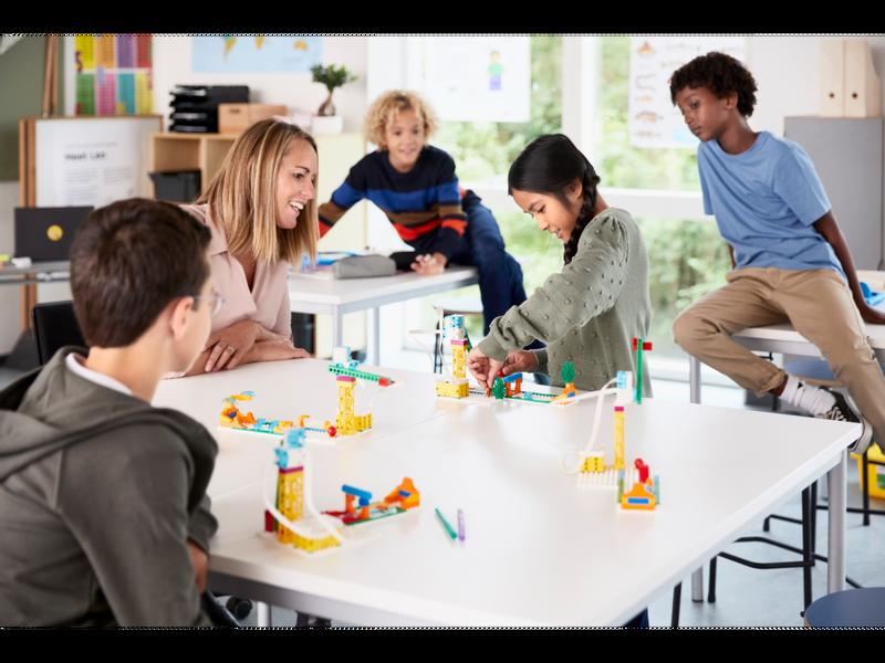 LEGO® Education SPIKE™ Essential klassesett Inkludert kurs